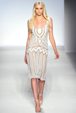 Alberta Ferretti Spring 2012 Ready-to-Wear